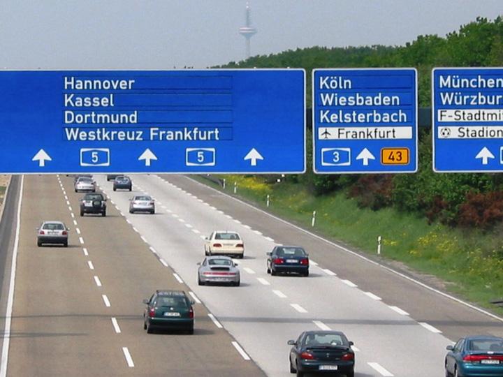 German Autobahns most min Romanii vor plati taxa pe autostrazile Germaniei!