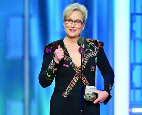 Meryl BUNA Meryl Streep a invins Globurile de Aur