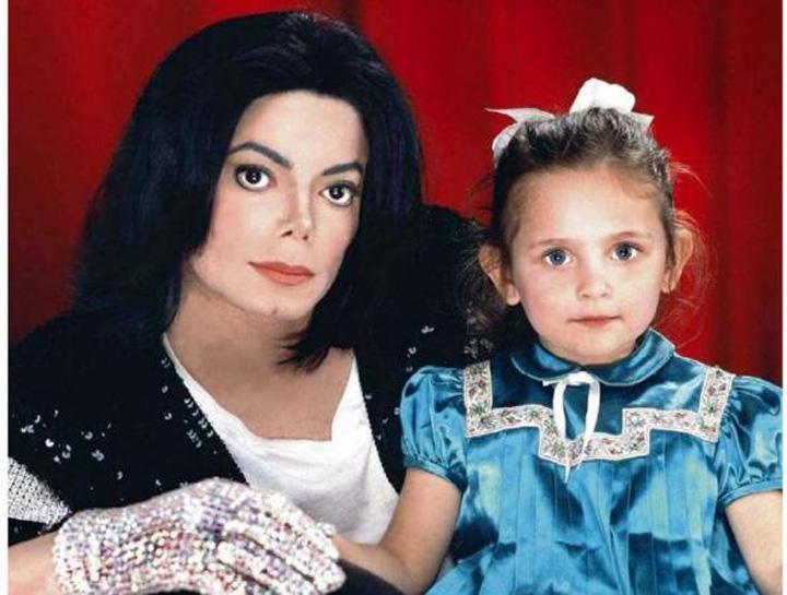 "Michael and Paris jackson  Fiica lui Michael Jackson: Tatal meu a fost ucis!"""