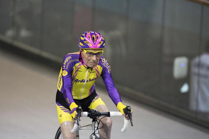 Robert Marchand 9 La 105 ani, doboara recorduri cu bicicleta!