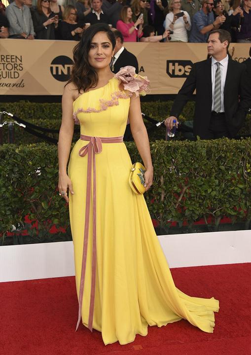 Salma Hayek Dezastru vestimentar la gala premiilor Sindicatului actorilor americani