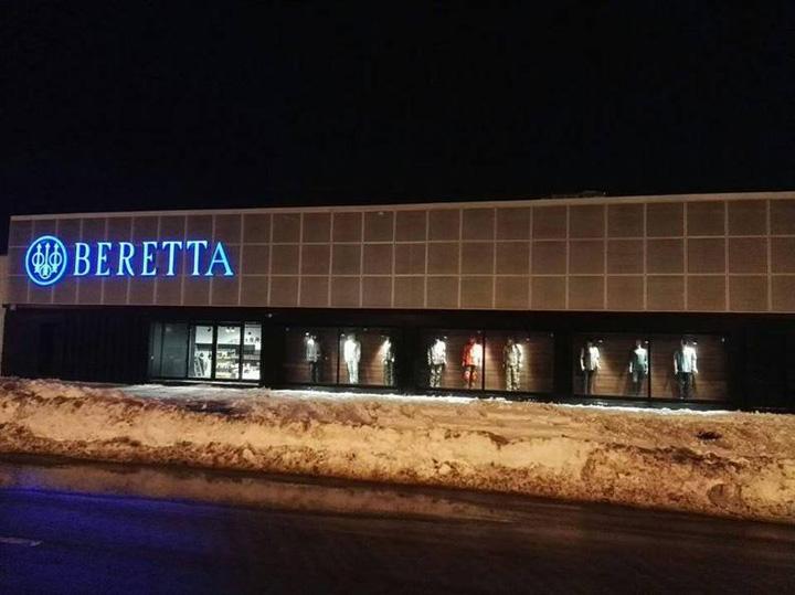 arme beretta S a deschis cel mai mare magazin de arme din Romania