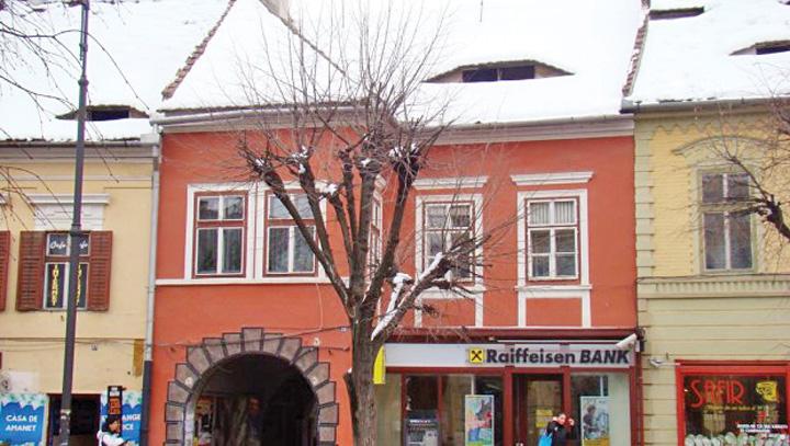 casa iohannis www.justitiarul 1 Seful statului trage cat poate de casa din Sibiu