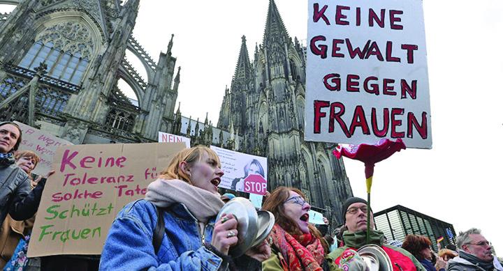 femei Germania: Peste jumatate din femei nu se simt in siguranta