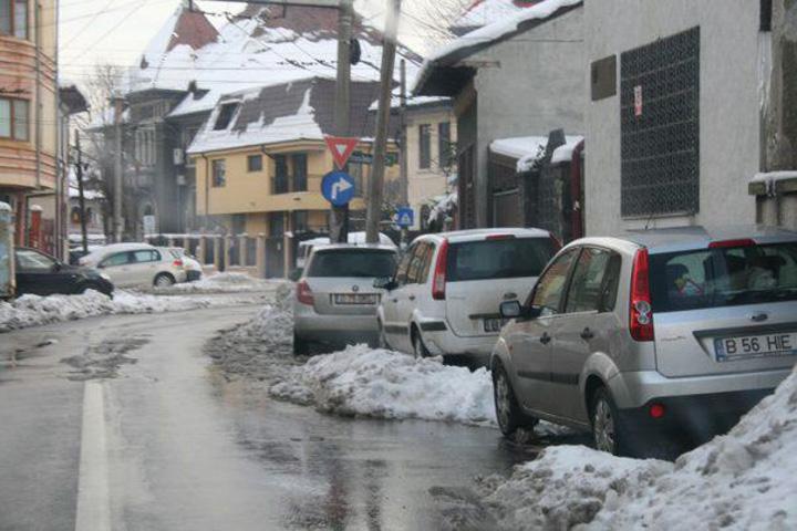 masini prost parcate A inceput ridicarea masinilor in Bucuresti
