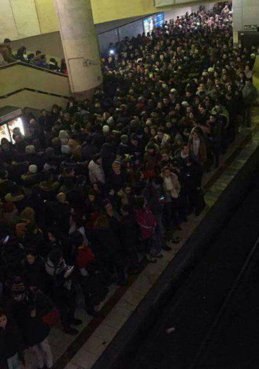 metrou Bucurestenii s au calcat in picioare la metrou!