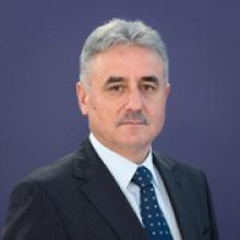 min finante Ministru luat la rost din pricina bugetului