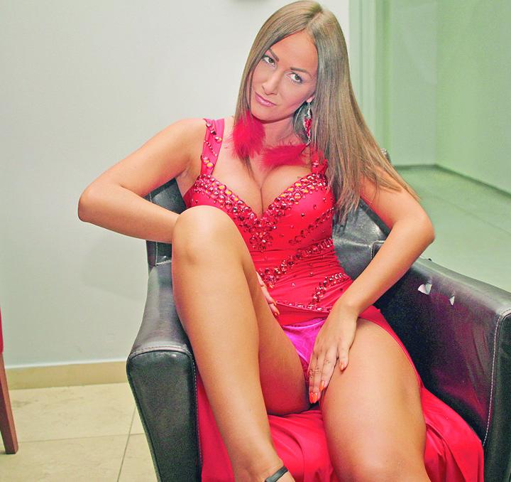 prostituata 1 O vedeta TV a recunoscut public: face sex pe bani ca sa si plateasca facturile!