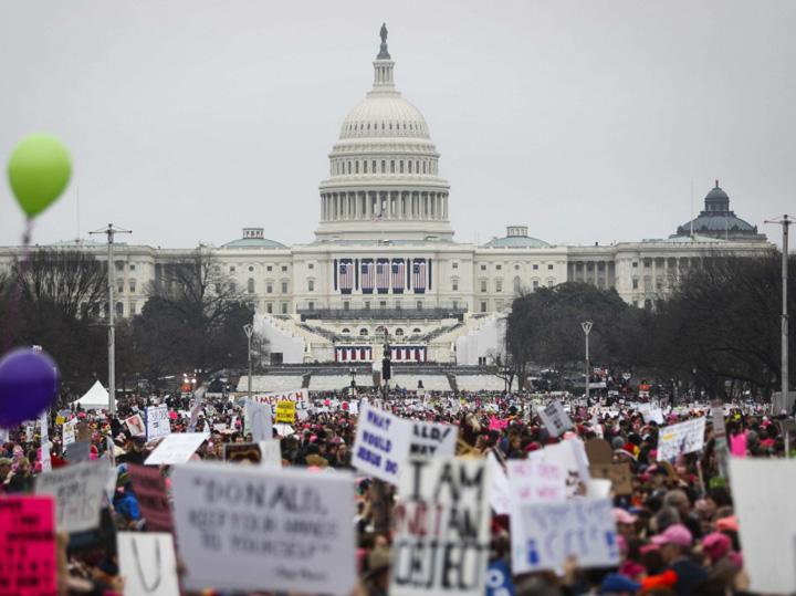 proteste Fantoma lui J. Edgar Hoover bantuie visul american
