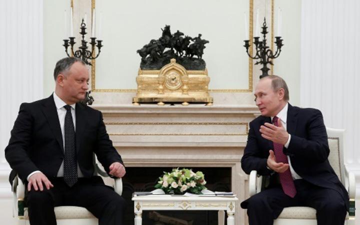 putin dodon Dodon: Republica Moldova poate abandona acordul cu UE