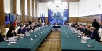 sedinta noul guvern 350x176 Grindeanu si Ciolos, discutii la Guvern/noii ministri isi preiau portofoliile