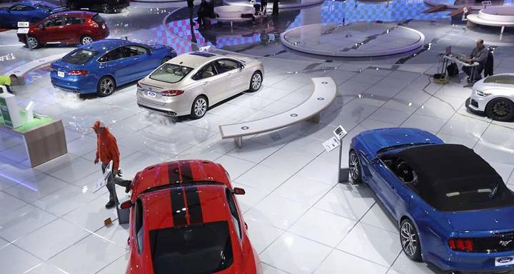stand ford Umbra lui Trump planeaza la Salonul Auto din Detroit