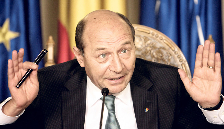 traian basescu Basescu se da stapanul Romaniei