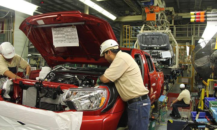 trump toyota Trump, cosmar pentru Toyota si Nissan