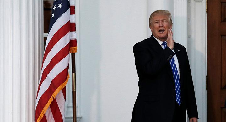 trump1 Trump il acopera pe hackerul sef de la Kremlin