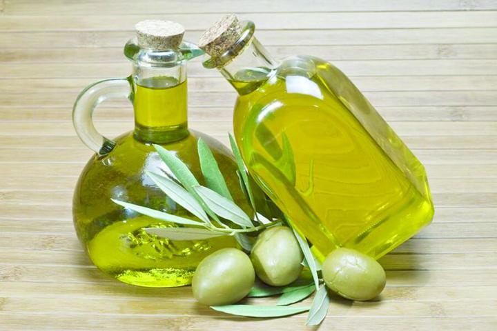 Оливковое масло 3 1 Uleiul de masline devine produs de lux