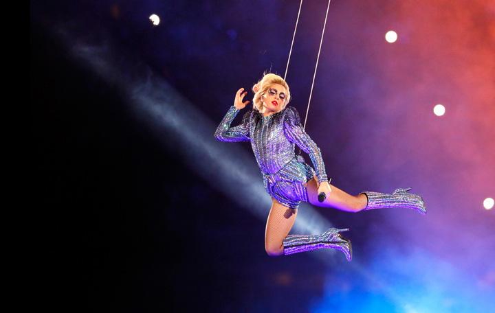 020717639 7242008 v1280 720 Gaga, o Lady suspendata de fund!