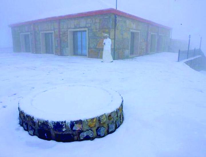 1964103817 Snowman from Dubai. Emiratul arab, acoperit de zapada