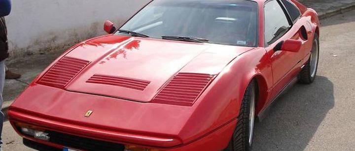 7001846lpw 7001866 article jpg 4090104 660x281 Au facut o si pe asta: Ferrari si Lamborghini false!