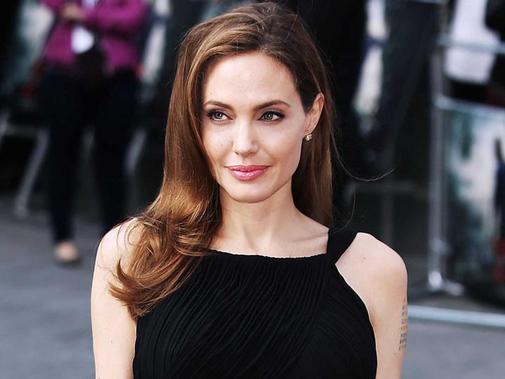 Angelina Jolie bio 1 Ronaldo si Angelina, pe urmele lui Suleyman Magnificul