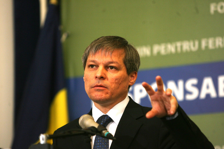 Dacian Cioloș la microfon Programul Ciolos: sex pe apucate!