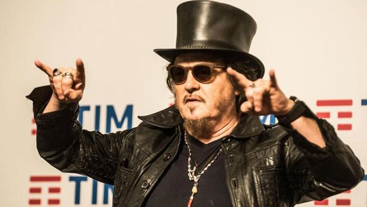 ZUCCHERO 1MEDALION Sanremo 2017: Omagiu pentru Pavarotti