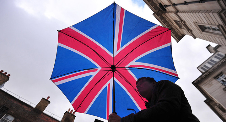 atentate Femeile si copiii vor da cu bomba in Marea Britanie