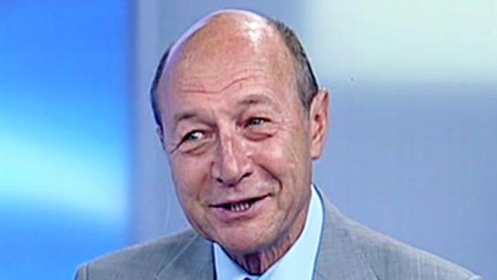 basescu 2 Basescu, bun de aruncat la gunoi