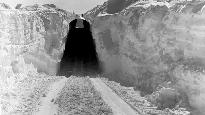 bazamare Baza ultrasecreta a SUA sub gheturile Groenlandei