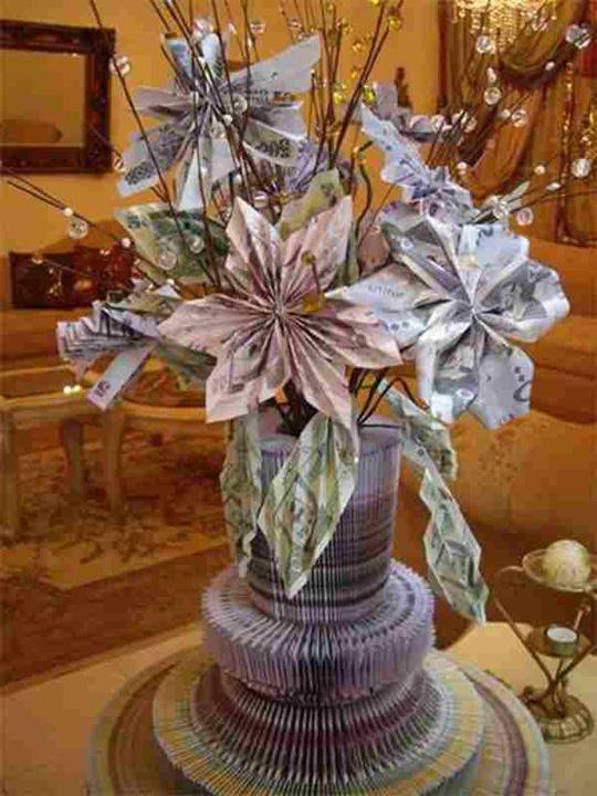 bucheet Arabia Saudita Cine are nevoie de flori? Nu s mai bune niste bancnote?