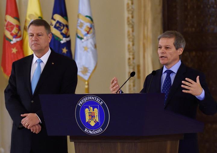 "ciolos cu iohannis Iohannis si ""Guvernul meu"" au scos abuzul"