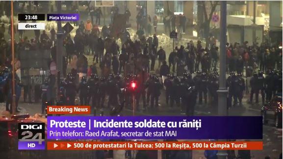 dsgdgs Protestul din Piata Victoriei   deturnat de ultrasi. Incidente in centrul Capitalei