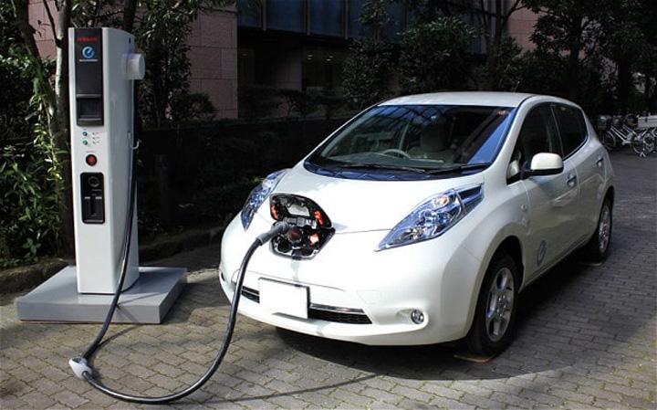 electric car 2464620b Marea Britanie introduce un program Rabla!