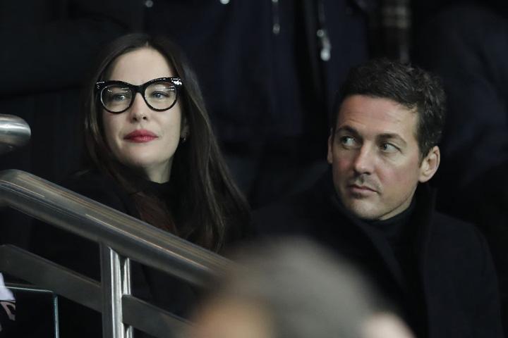 foto 1 FC Barcelona, umilita de PSG, in fata vedetelor din tribune!