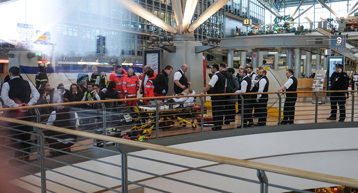 hamburg aeroport Panica pe aeroportul din Hamburg, 68 de persoane intoxicate