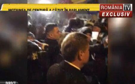 ioh1 Iohannis, si printre protestatarii de la Cotroceni