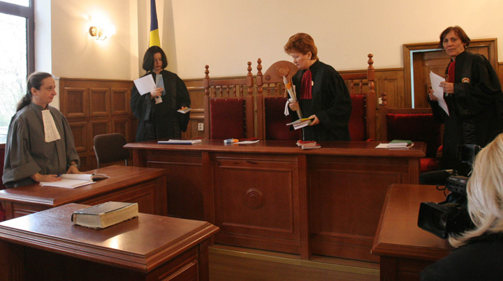 judecatori 58534000 UDMR indeasa abuzul in serviciu si pe gatul magistratilor