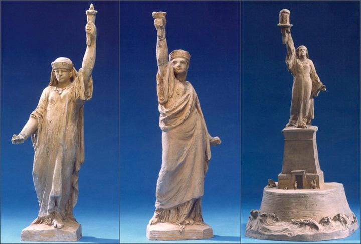 machete statuie Sac! Statuia Libertatii, inspirata de o musulmanca