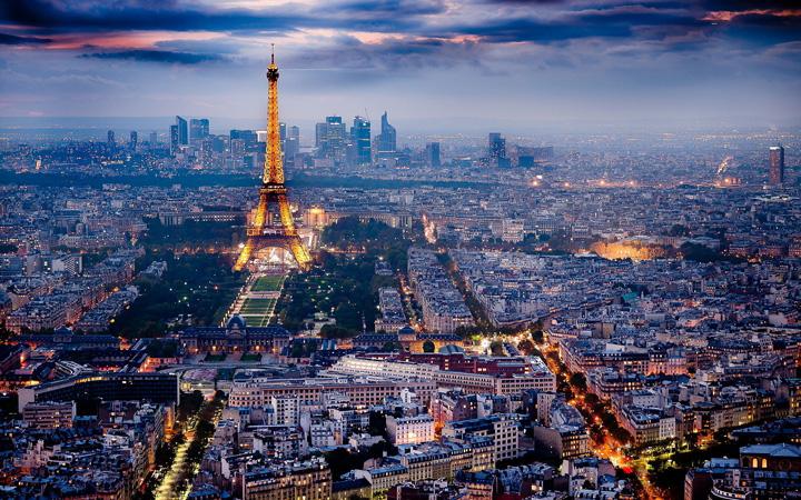paris Terorismul goleste Parisul
