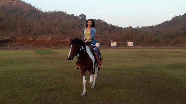 poza zilei 1 2 Iulia Vantur, pe cai mari