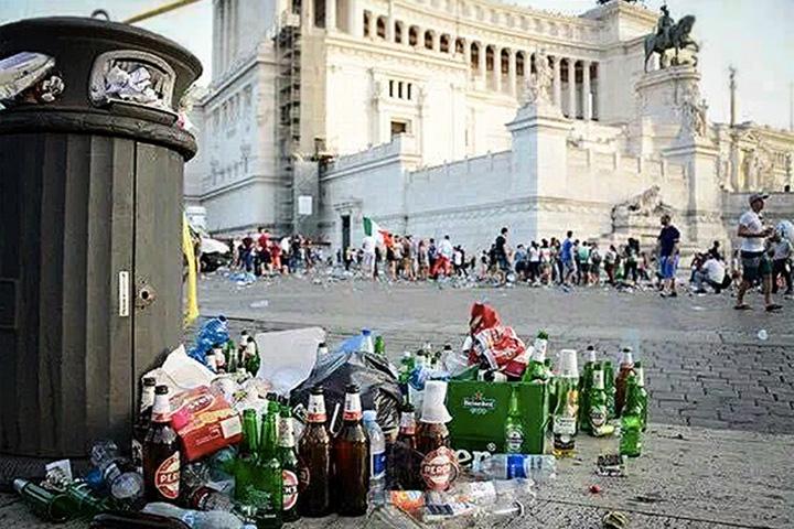 roma gunoaie Milano, noua capitala a Italiei