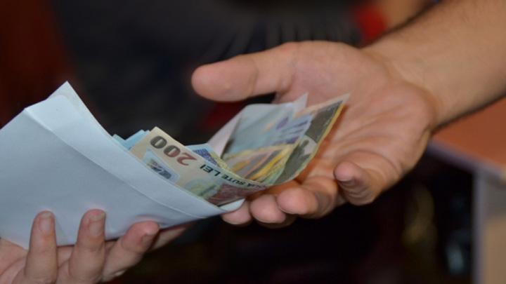 salarii mai mari Ce se taie, ce se mareste si cine plateste