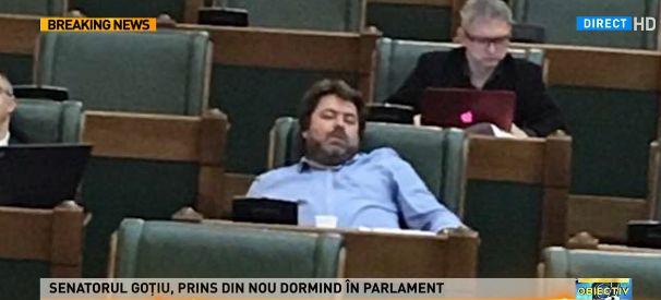 senator Senatorul somnoros a comis o a doua oara: Clipesc!