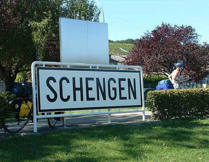 sengen Franta si Germania inchid zona Schengen!