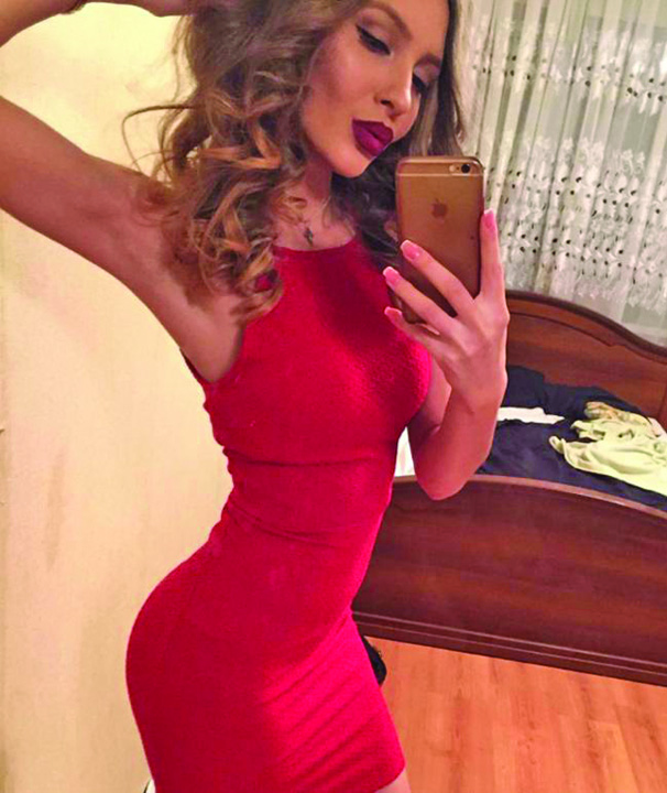 sexy 4 Hot! Cea mai sexy arbitra de fotbal din lume vine din Siberia