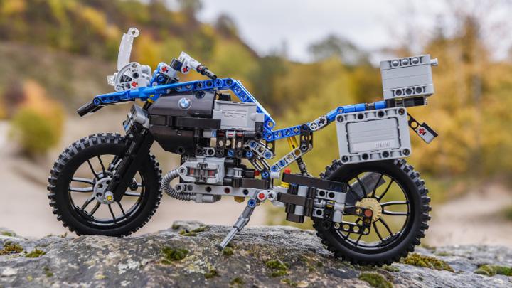 sms lego BMW din piese LEGO !
