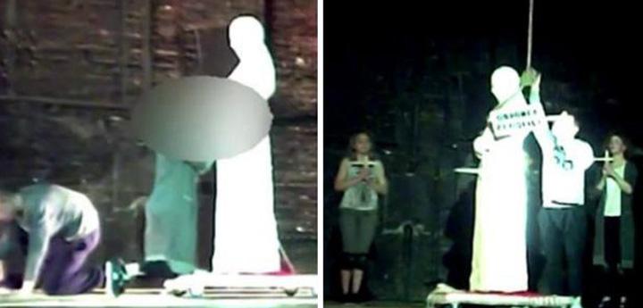 teatru2 O felatie pentru Papa Ioan Paul al II lea