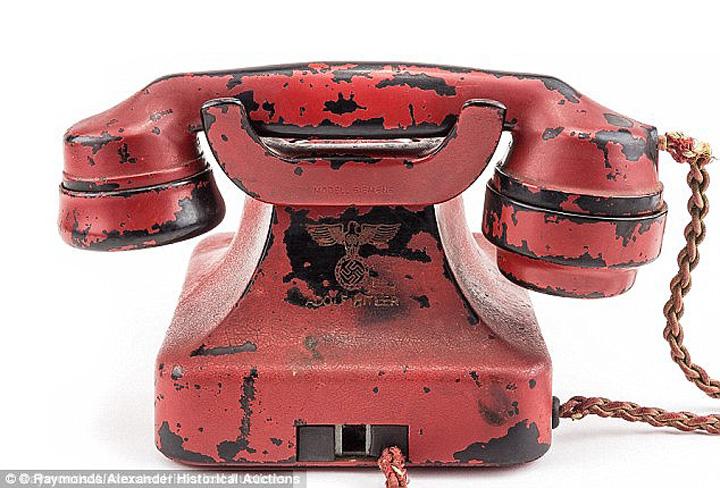 telefon 1 Alo, Hitler? Greseala !