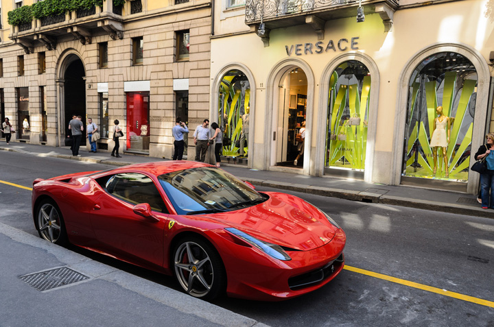 via Monte Napoleone Milano, noua capitala a Italiei