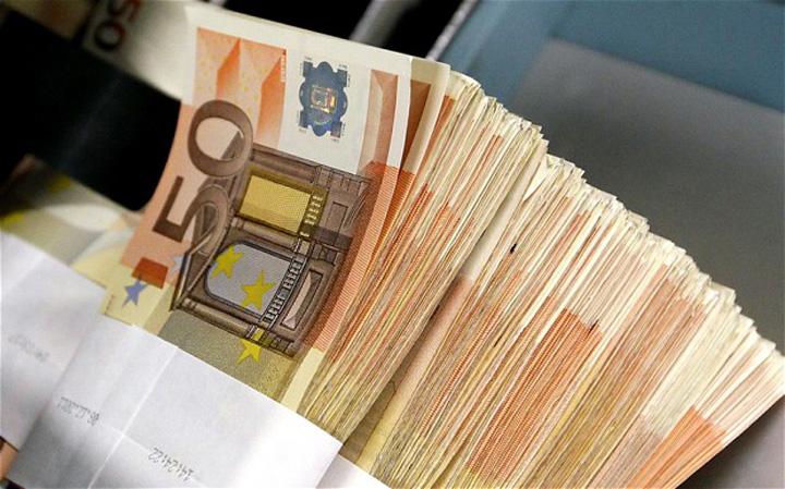 vrijdag euro Bancile, profit fabulos, in 2016: 4,3 miliarde lei